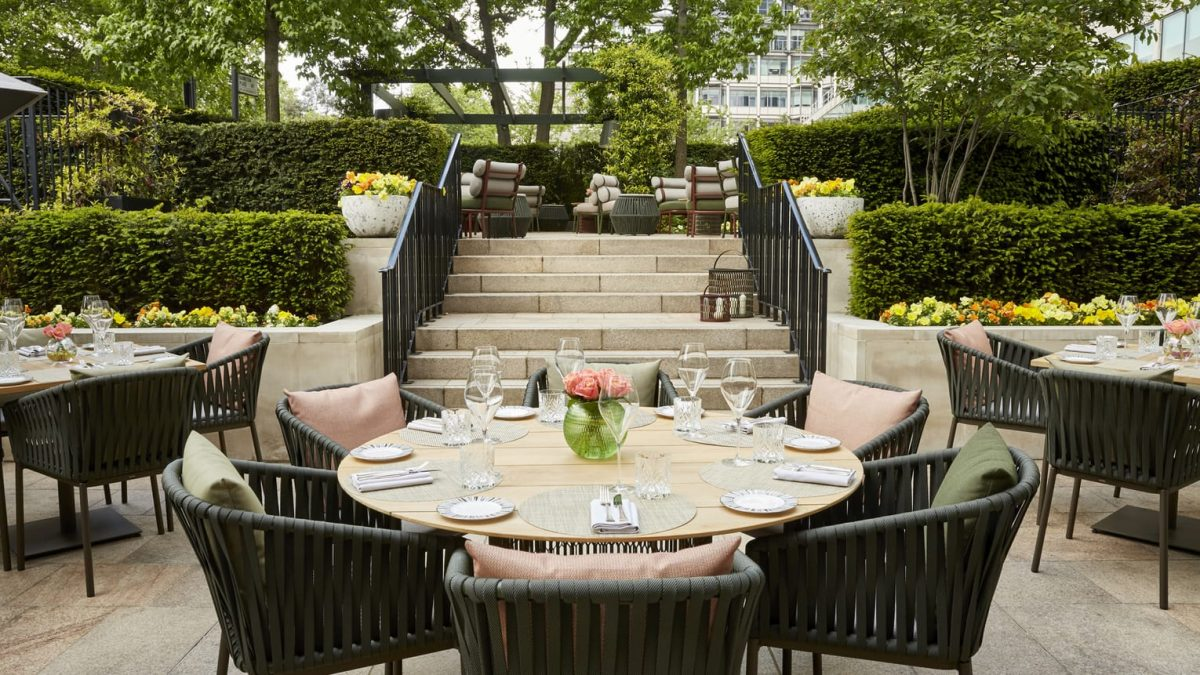 Four Seasons Hotel London At Park Lane to reopen in May